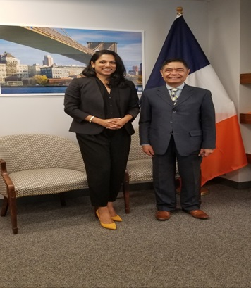 Consul General Cristobal Meets With NYC Commissioner for International Affairs