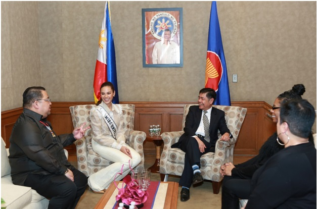 Miss Universe 2018 Catriona Gray Meets the Filipino-American Community in New York
