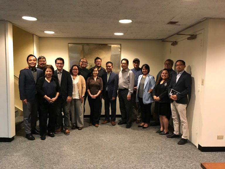 Consul General Cristobal meets with the Fil-Am Press Club of New York
