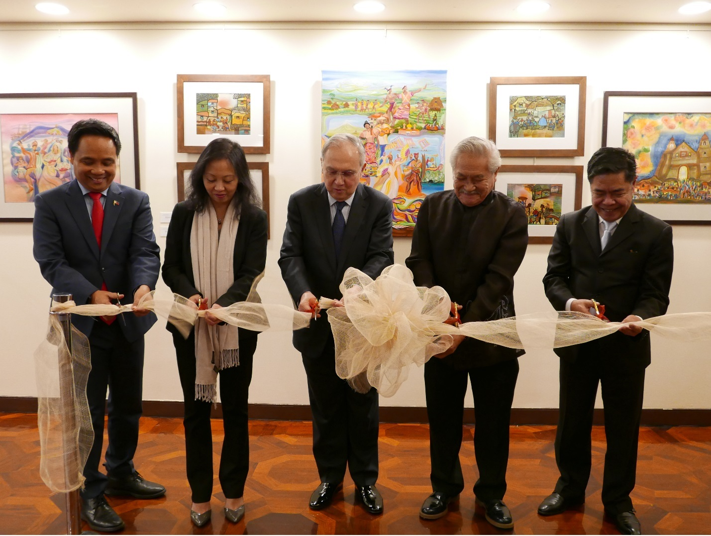 World-renowned Artist Manuel Baldemor's Luzviminda Launched at the Philippine Center